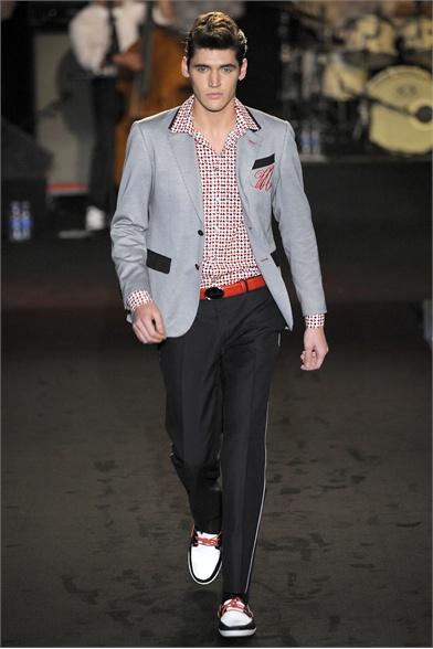 Moschino - 2013 каталог одежды