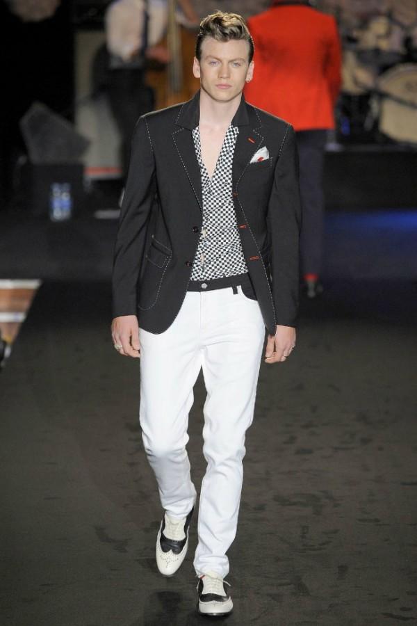 Одежда Moschino  2013